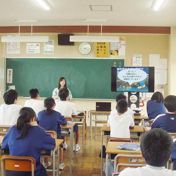 川東中学校での出張PR