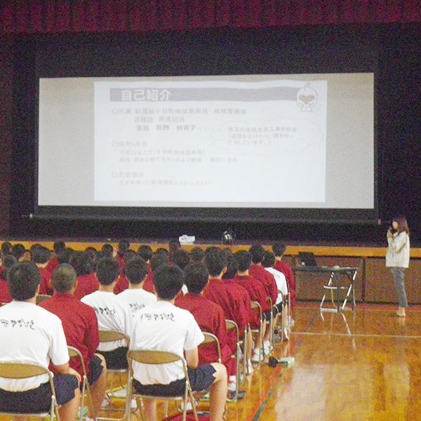 川西中学校での出張PR
